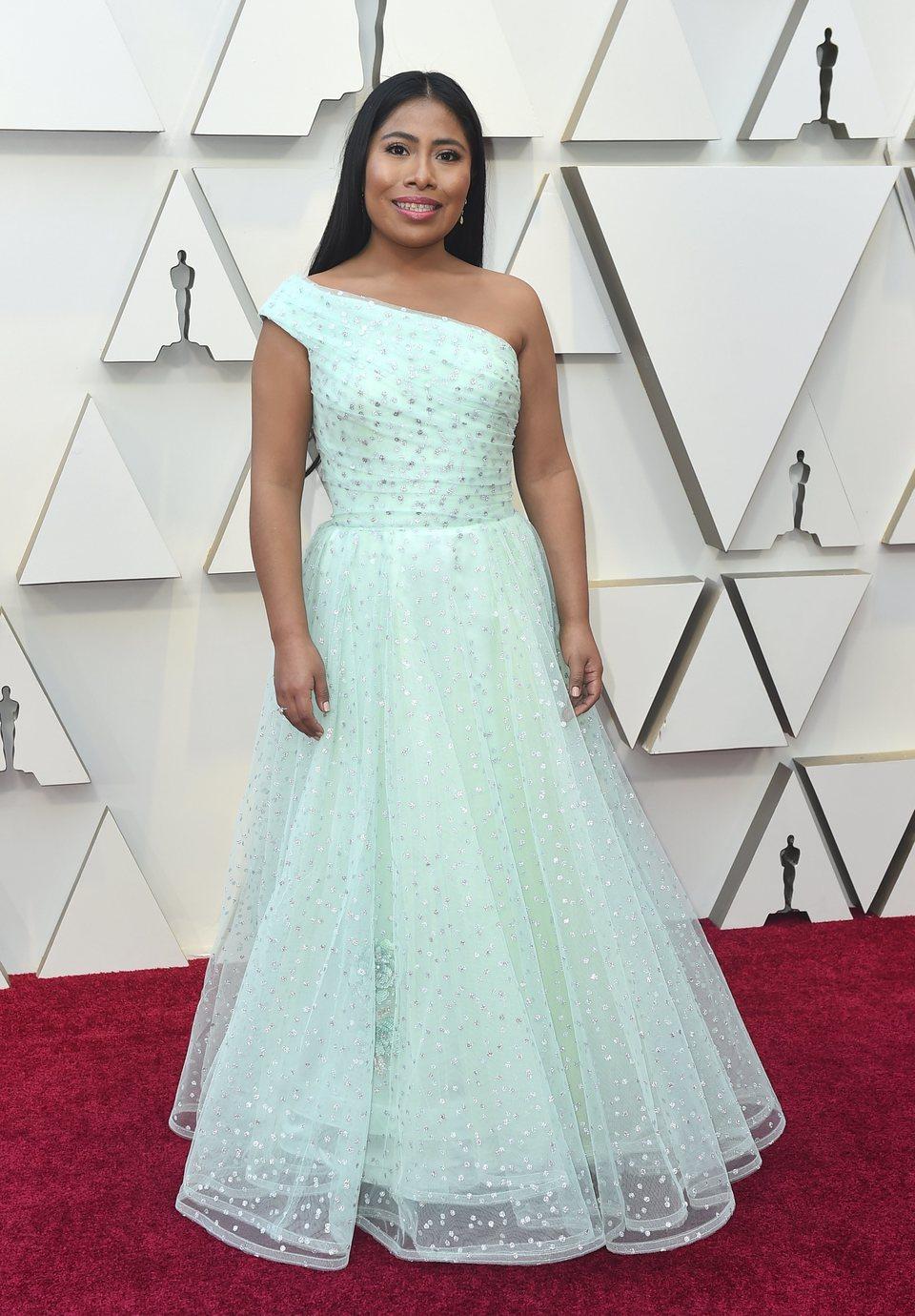 Yalitza Aparicio en la alfombra roja de los Oscar 2019