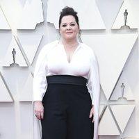 Melissa McCarthy en la alfombra roja de los Oscars 2019