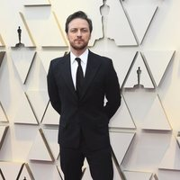 James McAvoy at the Oscars 2019 red carpet