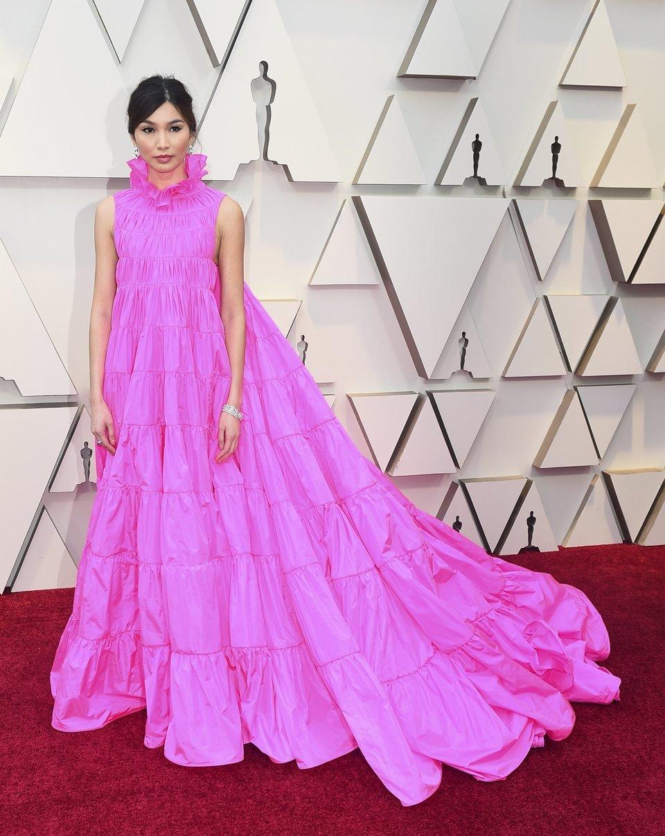 Gemma Chan en la alfombra roja de los Premios Oscars 2019