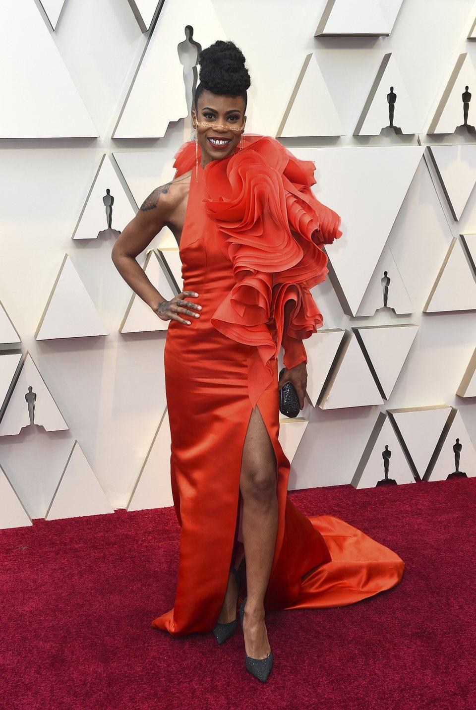 Hannah Beachler en la alfombra roja de los Oscars 2019