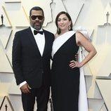 Jordan Peele y Chelsea Peretti en la alfombra roja de los Oscar 2019