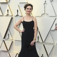 Emily Deschanel on the red carpet at the 2019 Oscars