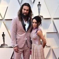 Jason Momoa y Lisa Bonet en la alfombra roja de los Oscar 2019