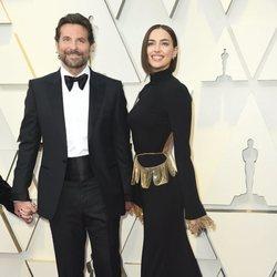 Bradley Cooper e Irina Shayk en la alfombra roja de los Oscar 2019