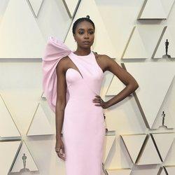 Kiki Layne en la alfombra roja de los Oscar 2019