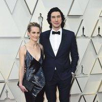 Adam Driver y Joanne Tucker en la alfombra roja de los Oscar 2019