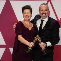 Los ganadores del Oscar a mejor edición de sonido por 'Bohemian Rhapsody' posan con sus Oscars