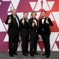 Los ganadores del Oscar a mejores efectos visuales por 'First Man' posan con sus Oscars