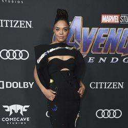 Tessa Thompson en la alfombra roja de 'Vengadores: Endgame'