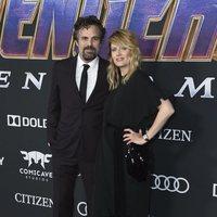 Mark Ruffalo y Sunrise Coigney en la alfombra roja de 'Vengadores: Endgame'