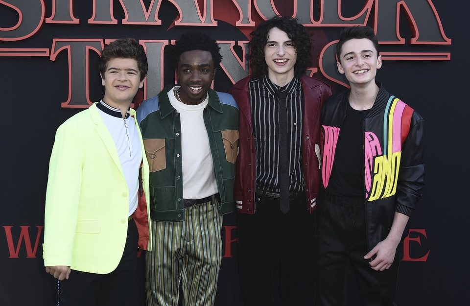 Gaten, Caleb, Finn y Noah en la premiere de la tercera temporada de 'Stranger Things'