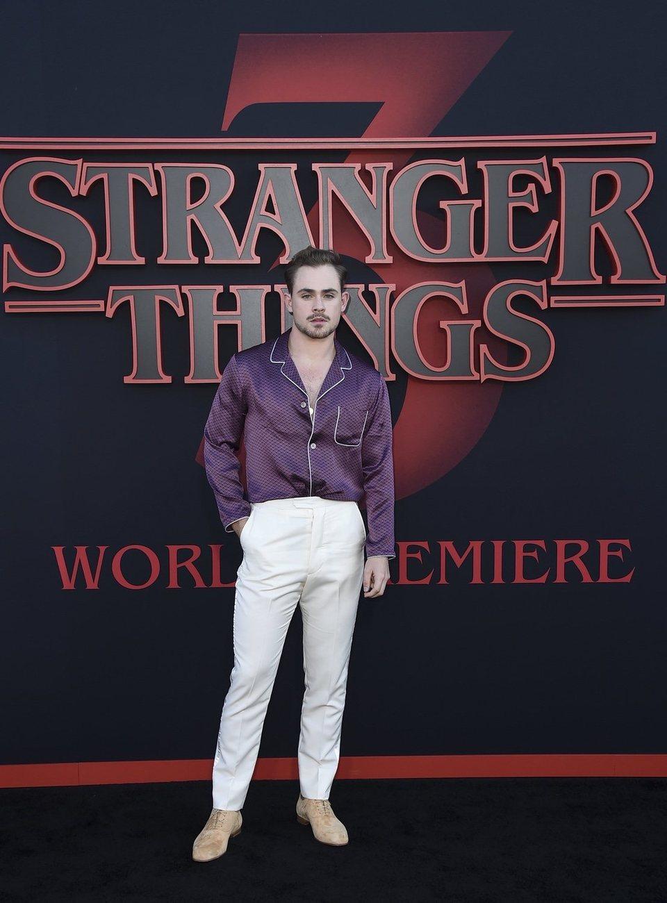 Dacre Montgomery en la premiere de la tercera temporada de 'Stranger Things'