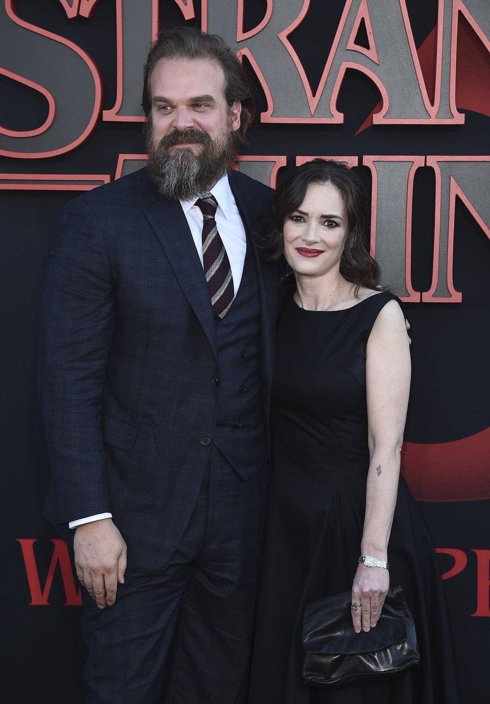 Winona Ryder y David Harbour en la premiere de la tercera temporada de 'Stranger Things'