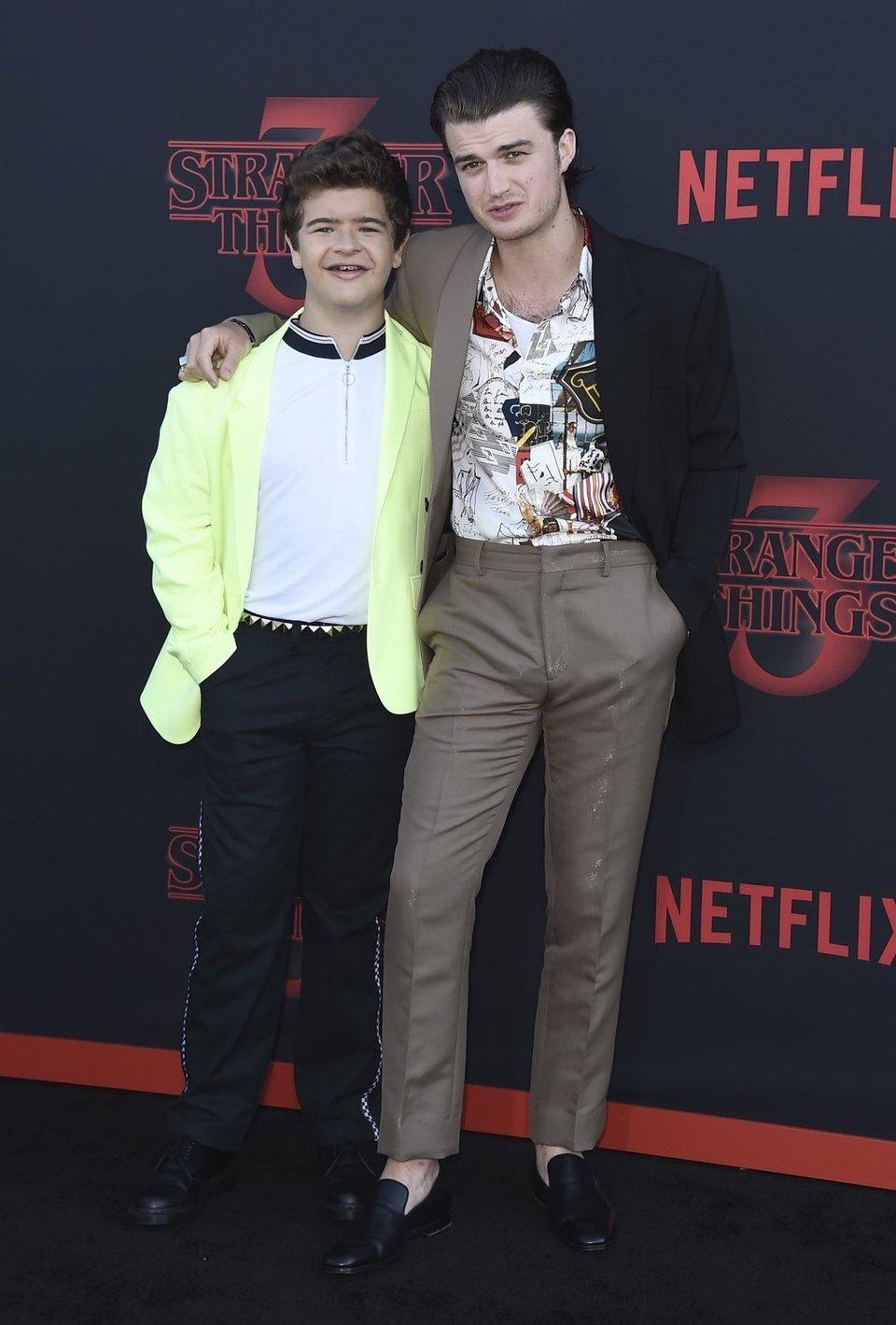 Gaten Matarazzo y Joe Keery en la premiere de la tercera temporada de 'Stranger Things'