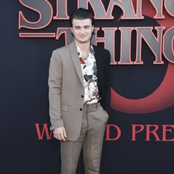 Joe Keery en la premiere de la tercera temporada de 'Stranger Things'