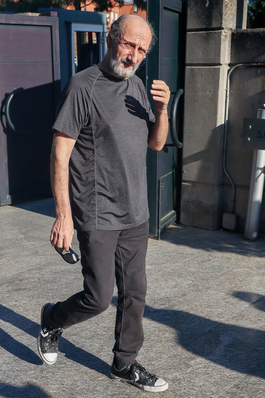 José Luis Gil acude al tanatorio por la muerte de Eduardo Gómez