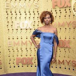 Ryan Michelle Bathe en la alfombra roja de los Emmy 2019