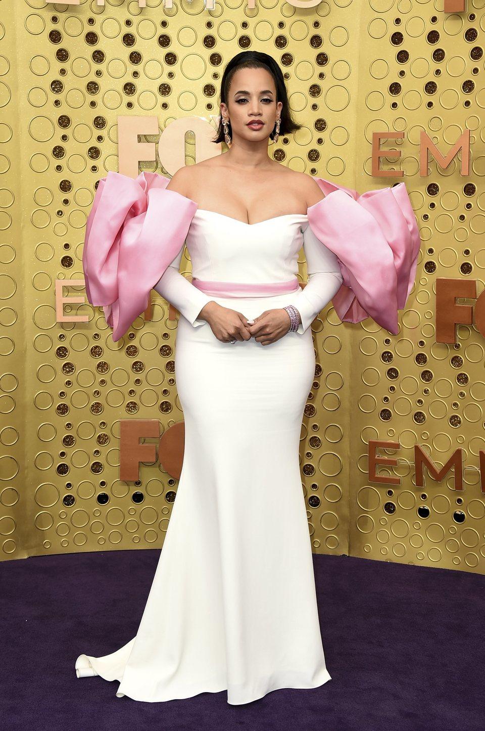 Dascha Polanco en la alfombra roja de los premios Emmy 2019