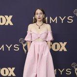 Sarah Sutherland en la alfombra roja de los Emmy 2019