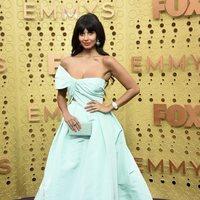 Jameela Jamil en la alfombra roja de los premios Emmy 2019