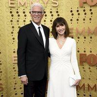 Ted Danson y Mary Steenburgen en la alfombra roja de los Emmy 2019