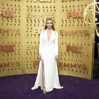 Jodie Comer en la alfombra roja de los premios Emmy 2019