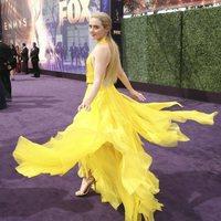 Kathryn Newton en la alfombra roja de los Emmy 2019