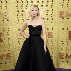 Naomi Watts en la alfombra roja de los Emmy 2019