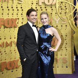 Rachel Brosnahan en la alfombra roja de los Emmy 2019