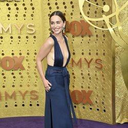 Emilia Clarke en la alfombra roja de los Emmy 2019