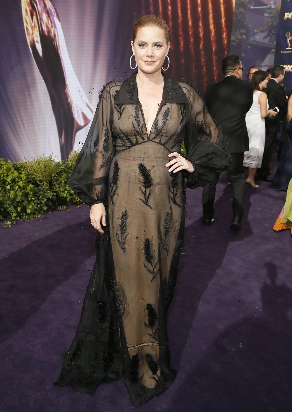 Amy Adams en la alfombra roja de los Emmy 2019