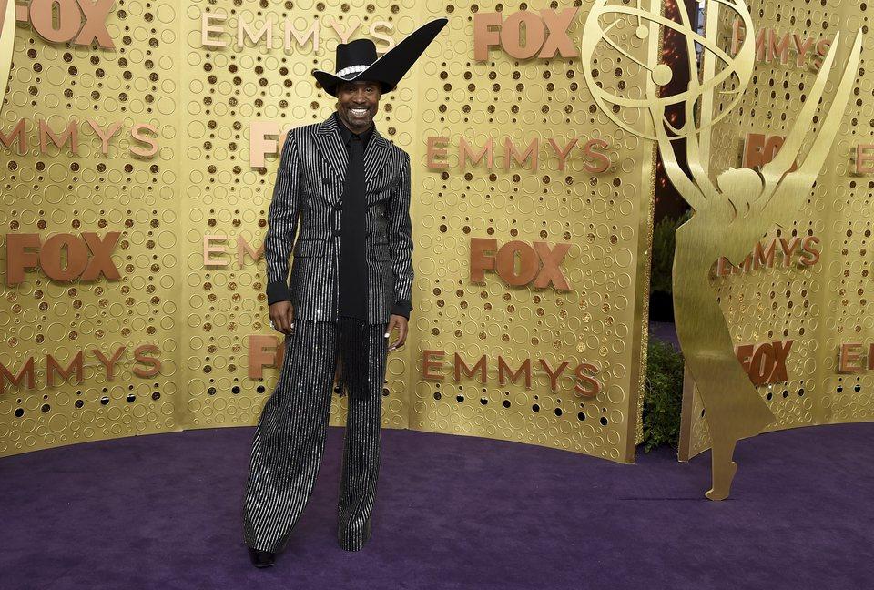 Billy Porter en la alfombra roja de los Emmy 2019