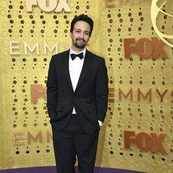Lin-Manuel Miranda en la alfombra roja de los Emmy 2019