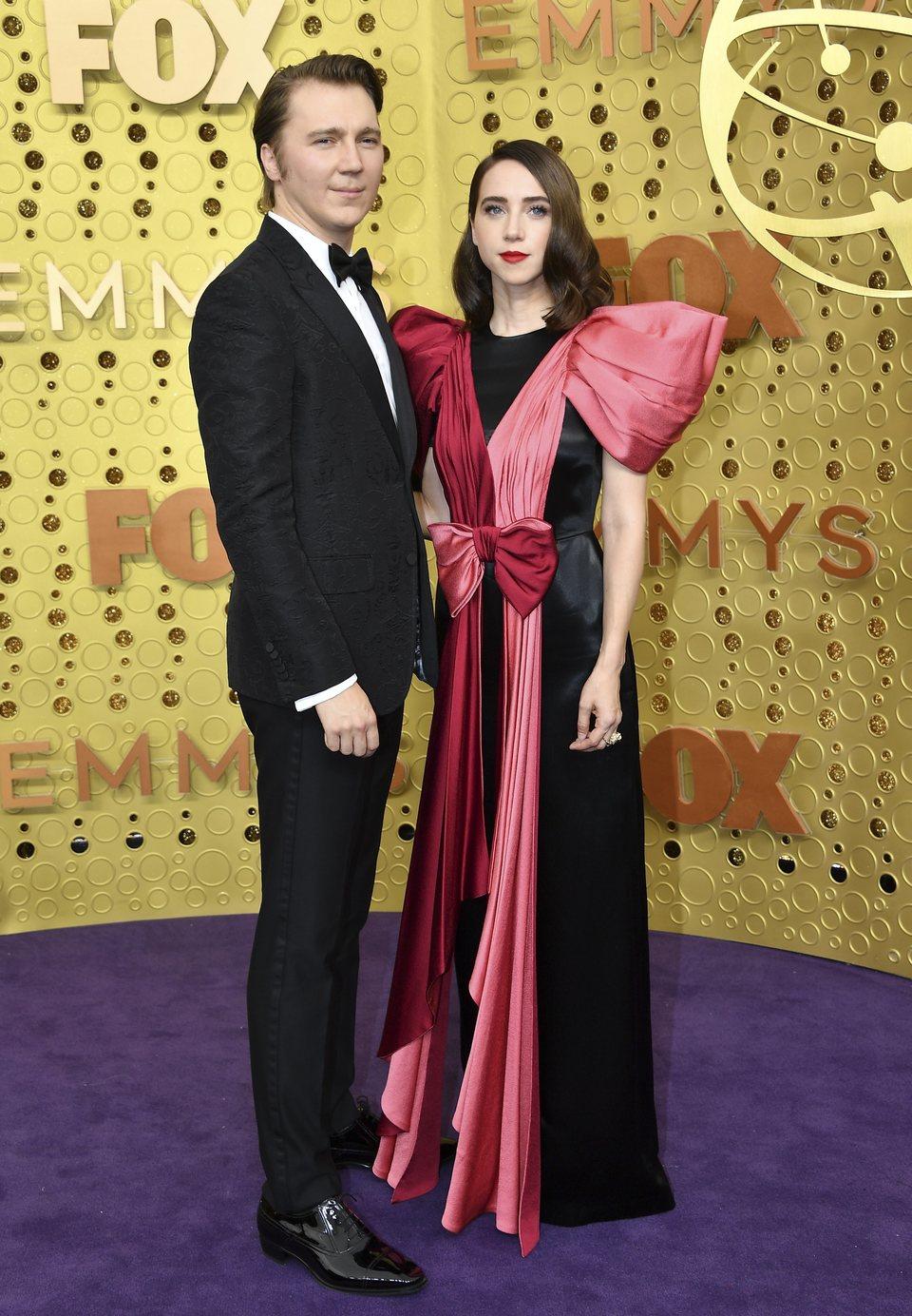 Paul Dano y Zoe Kazan en la alfombra roja de los Emmy 2019