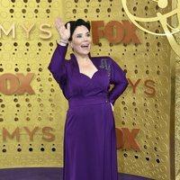 Alex Borstein en la alfombra roja de los Emmy 2019