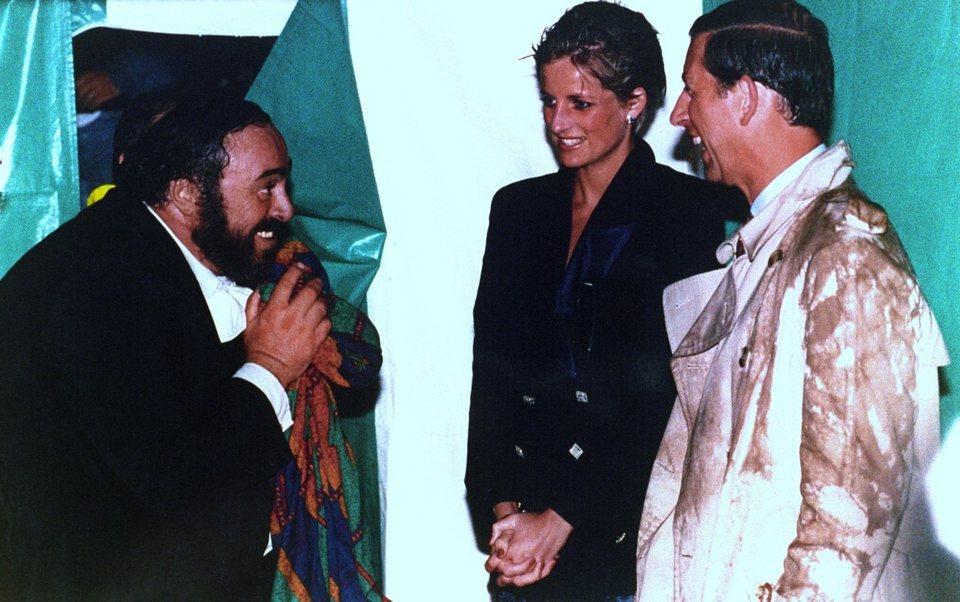 Pavarotti, fotograma 1 de 10