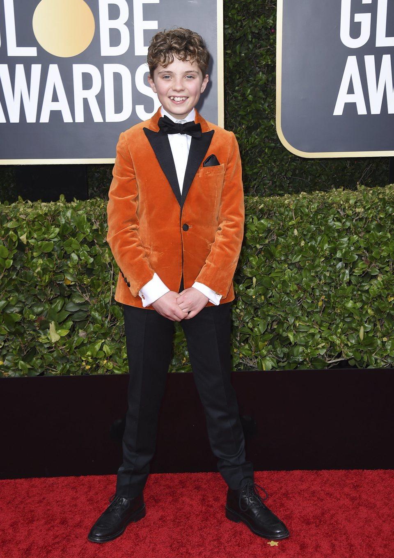 Roman Griffin Davis en la alfombra roja de los Globos de Oro 2020