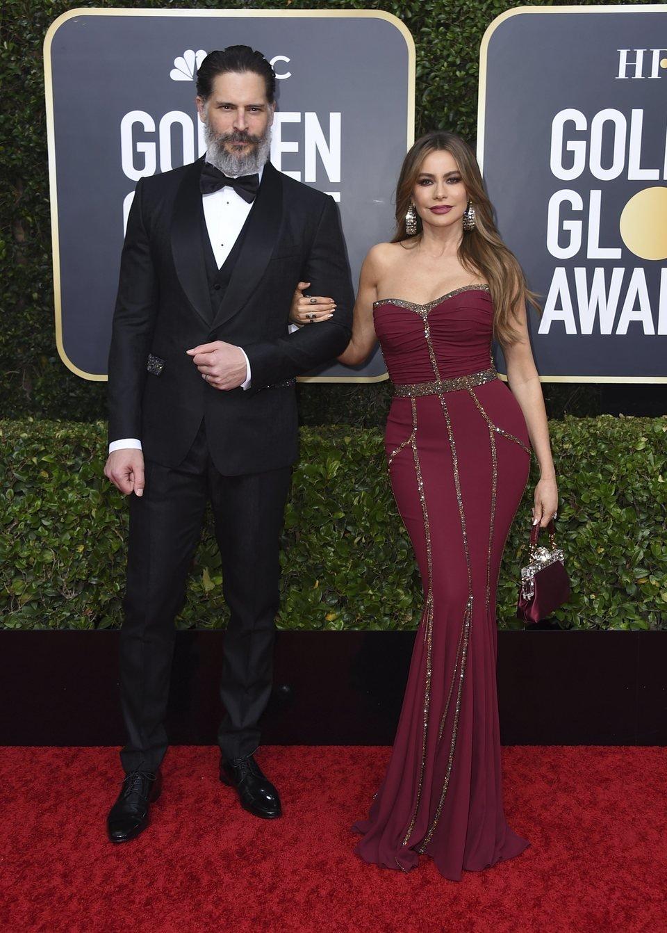 Sofía Vergara y Joe Manganiello posan en la alfombra roja de los Globos de Oro 2020
