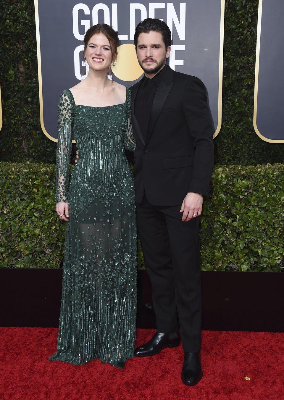 Kit Harington y Rose Leslie posan juntos en la alfombra roja de los Globos de Oro 2020