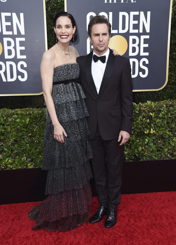 Sam Rockwell y Leslie Bibb en la alfombra roja de los Globos de Oro 2020