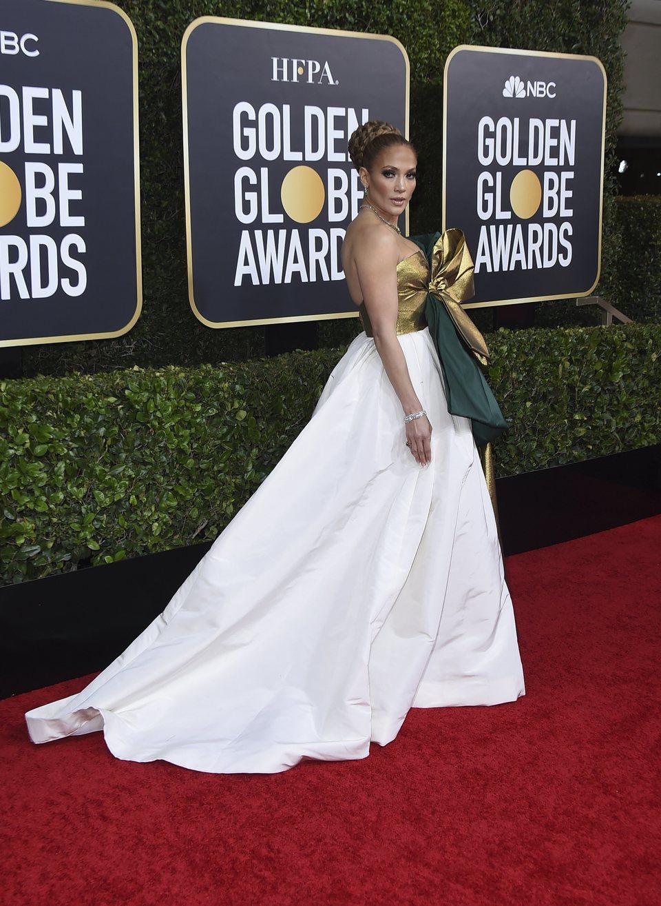 Jennifer Lopez en la alfombra roja de los Globos de Oro 2020