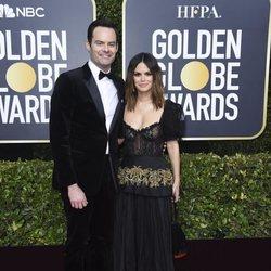 Bill Hader y Rachel Bilson en la alfombra roja de los Globos de Oro 2020