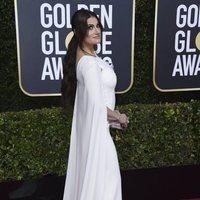 Idina Menzel en la alfombra roja de los Globos de Oro 2020