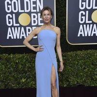 Renée Zellweger posa en la alfombra roja de los Globos de Oro 2020