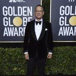Tom Hanks en la alfombra roja de los Globos de Oro 2020