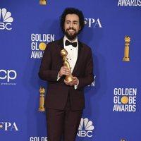 Ramy Youssef gana el Globo de Oro a Mejor Actor en serie comedia o musical