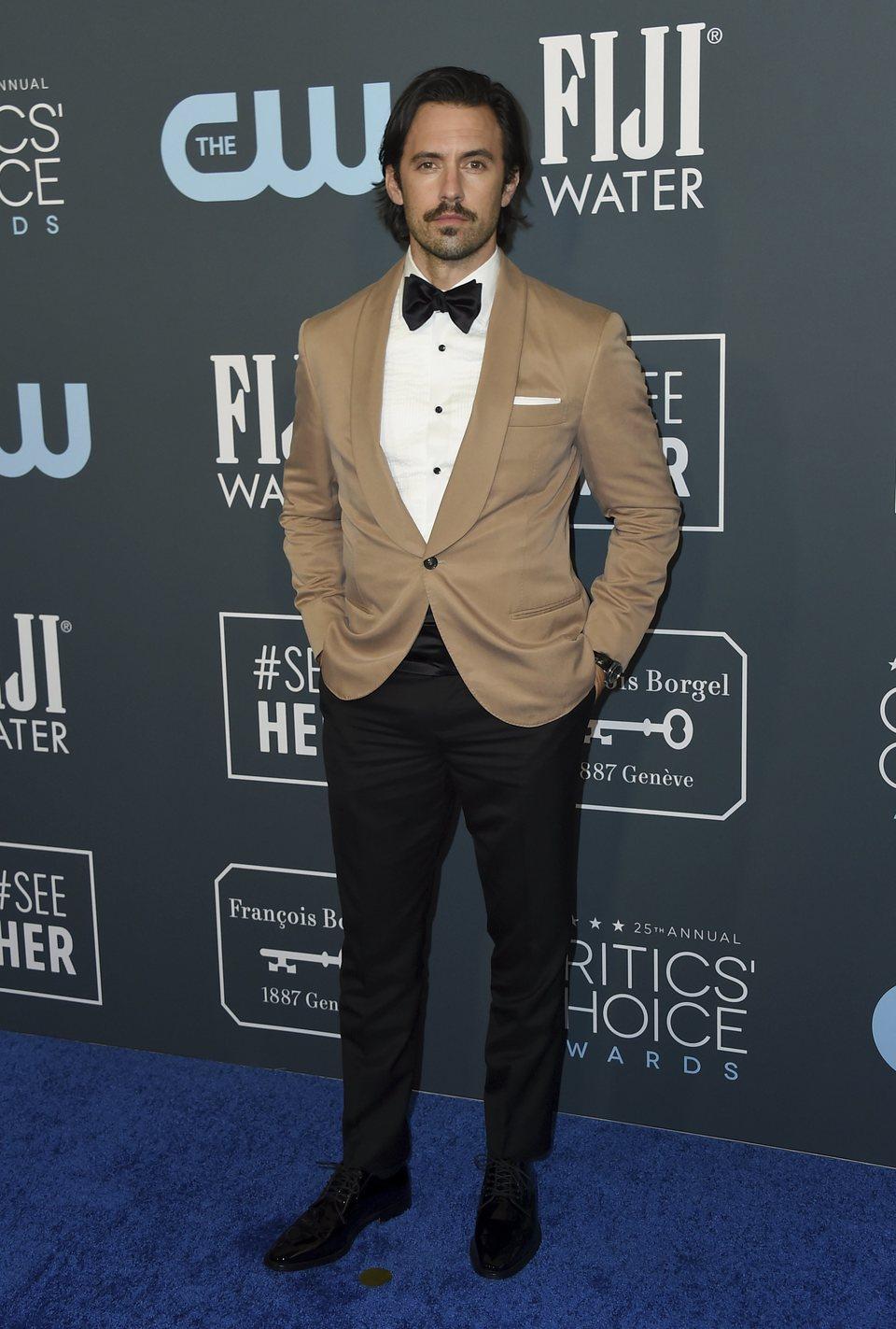 Milo Ventimiglia en la alfombra de los Critics' Choice Awards 2020