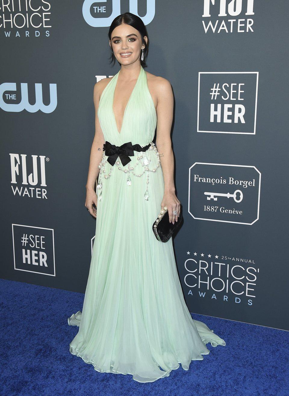 Lucy Hale en la alfombra de los Critics' Choice Awards 2020