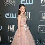 Kaitlyn Dever en la alfombra roja de los Critics' Choice Awards 2020